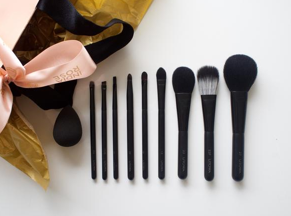 FULL 10-PIECE BRUSH SET