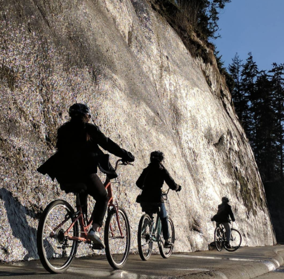 cyclists on Vancouver Seawall