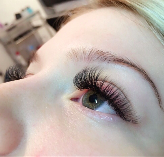 72582f17ec1 7 Places to Get Luscious Lashes in Vancouver | Populist