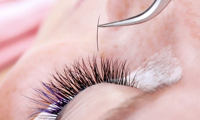 7 Places to Get Luscious Lashes in Vancouver | Populist